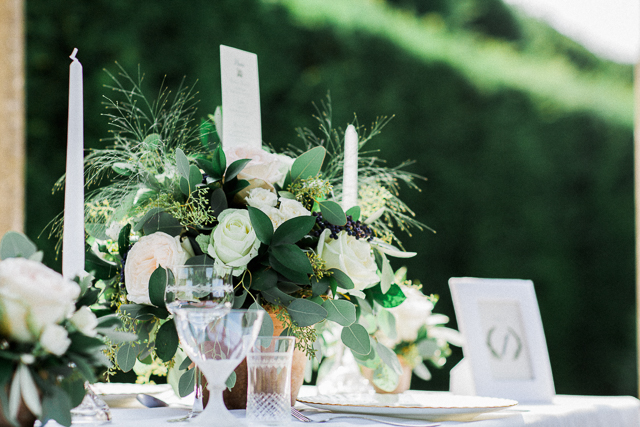 Garden wedding tablescape | Bowtie and Belle Photography | see more on: http://burnettsboards.com/2015/12/grecian-garden-wedding-inspiration/