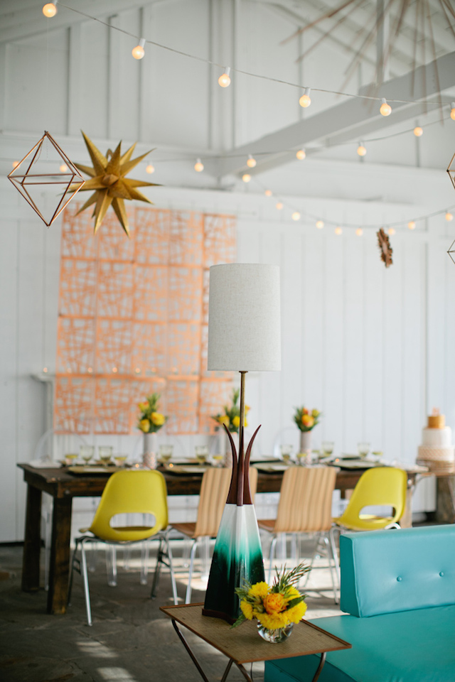 Mod wedding style | Kristyn Hogan and Cedarwood Weddings | see more on: http://burnettsboards.com/2015/12/yellow-metallic-mod-wedding/
