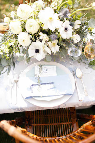 Anemone centerpiece | V.A. Photography | see more on: http://burnettsboards.com/2015/12/eastern-shore-wedding/