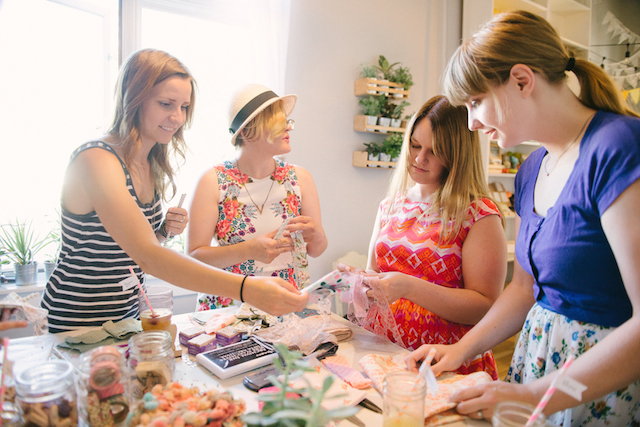 DIY crafting party | GingerSnap Photography | see more on: http://burnettsboards.com/2015/12/craft-night-workshop/