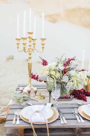 Palette tablescape | Lightburst Photography | see more on: http://burnettsboards.com/2016/01/earthy-sophisticated-desert-wedding/