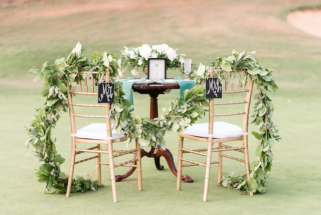 Golf wedding sweetheart table | Audrey Rose Photography | see more on: http://burnettsboards.com/2016/01/masters-golf-tournament-inspired-wedding/