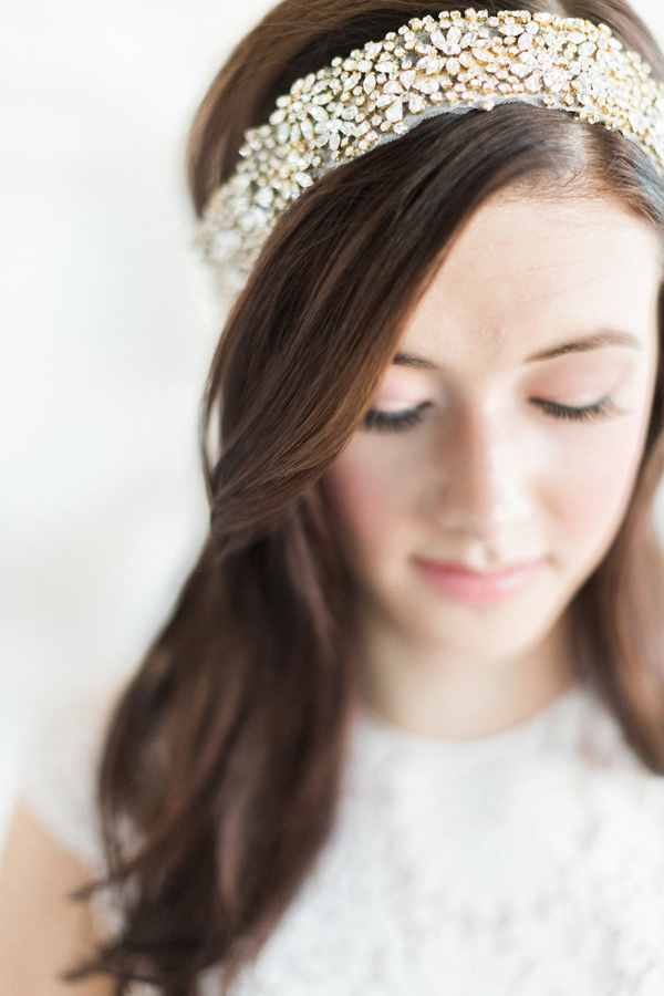 bridal hair accessory - photo by Heidrich Photography http://ruffledblog.com/monochrome-bridal-inspiration
