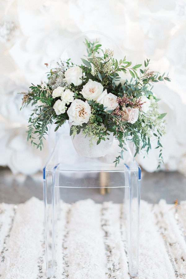 organic romantic floral arrangement - photo by Heidrich Photography http://ruffledblog.com/monochrome-bridal-inspiration