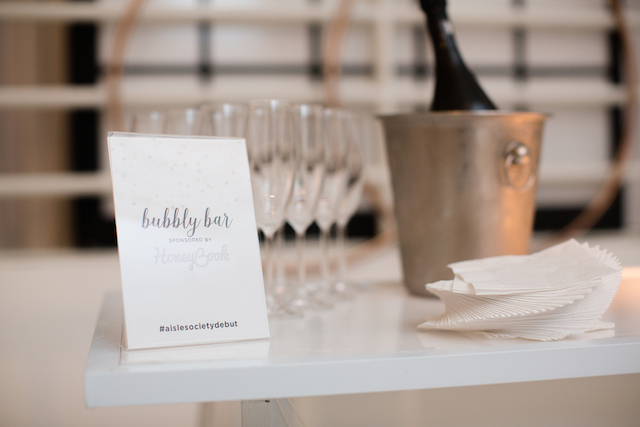 Bubbly Bar | Jessica Haley Photography | @aislesociety | see more on: http://burnettsboards.com/2016/01/aisle-society-debut-sponsored-minted/