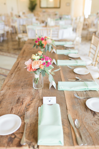 Mint napkins   Alicia Lacey Photography   see more on: http://burnettsboards.com/2016/01/darling-outer-banks-wedding/