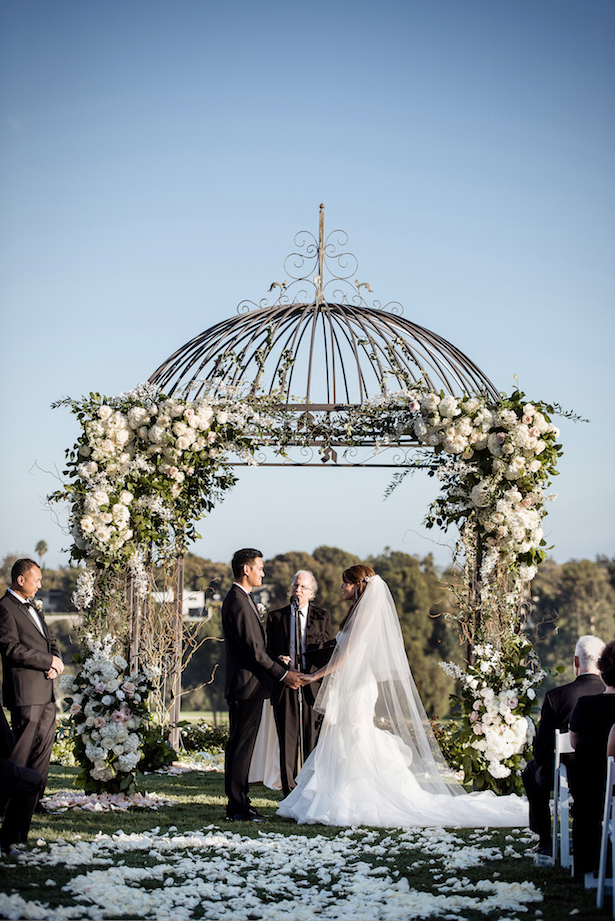 Outdoors wedding Ceremony - William Innes Photography