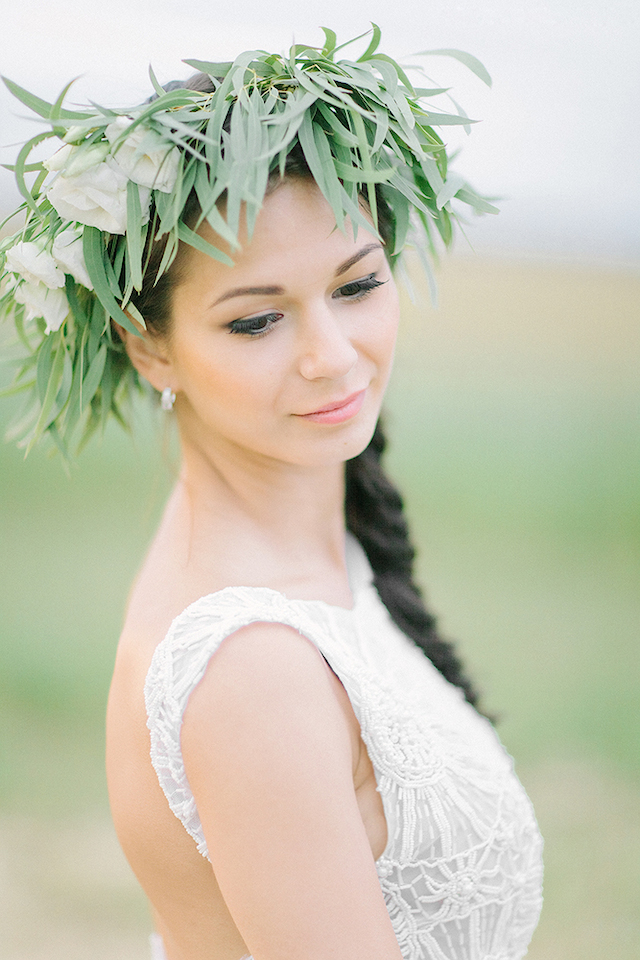 Greenery flower crown | Sofia Martynova | see more on: http://burnettsboards.com/2016/01/eco-bride/