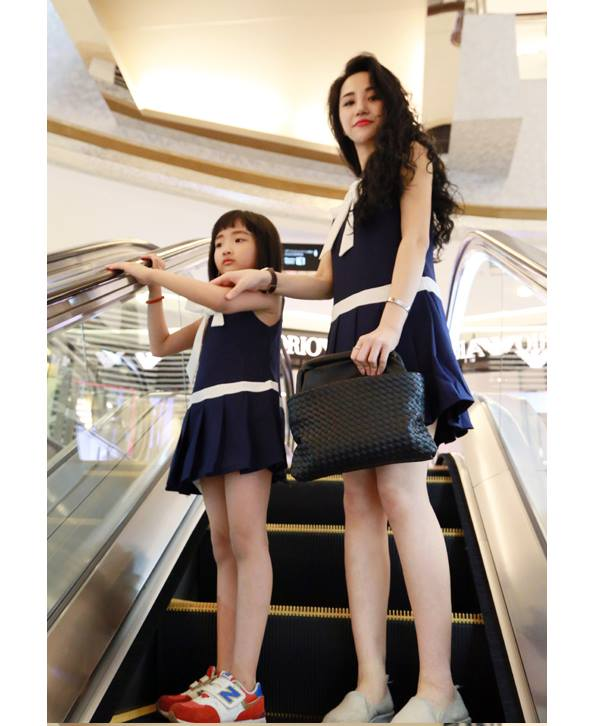 cute and matching outfits for mother and daughter (3)