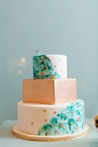 Mint and copper wedding cake | Jessica Haley Photography | @aislesociety | see more on: http://burnettsboards.com/2016/01/aisle-society-debut-sponsored-minted/