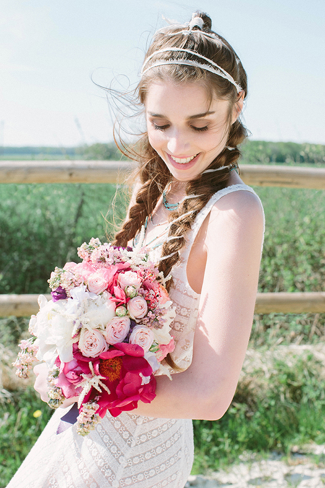 Bohemian bride | Studio Ohlala | see more on: http://burnettsboards.com/2016/01/el-dorado-wedding-editorial/
