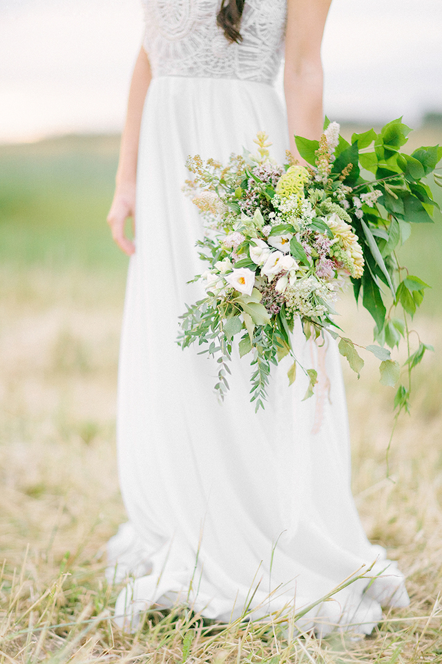 Greenery bridal bouquet | Sofia Martynova | see more on: http://burnettsboards.com/2016/01/eco-bride/