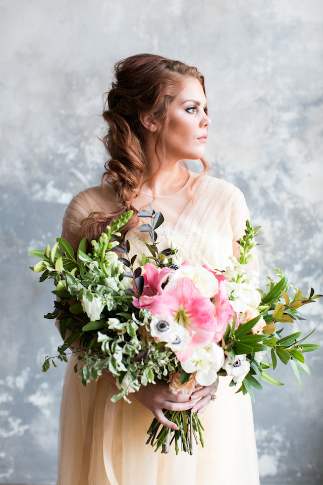Colorful bridal bouquet | Alea Lovely Photography | see more on: http://burnettsboards.com/2016/01/affordable-couture-wedding-dresses/