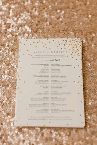 Minted programs with confetti detail | Jessica Haley Photography | @aislesociety | see more on: http://burnettsboards.com/2016/01/aisle-society-debut-sponsored-minted/