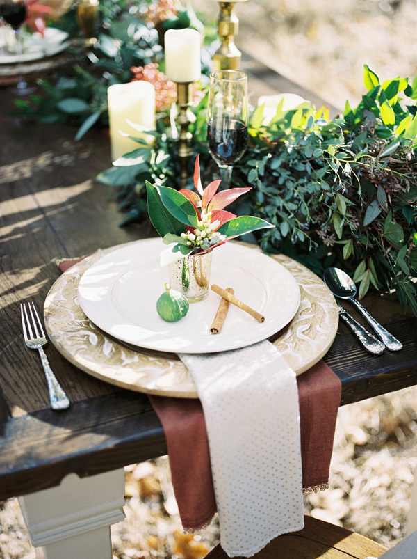 winter tablescape - photo by Rebecca Masters Photography http://ruffledblog.com/mountain-vineyard-wedding-inspiration