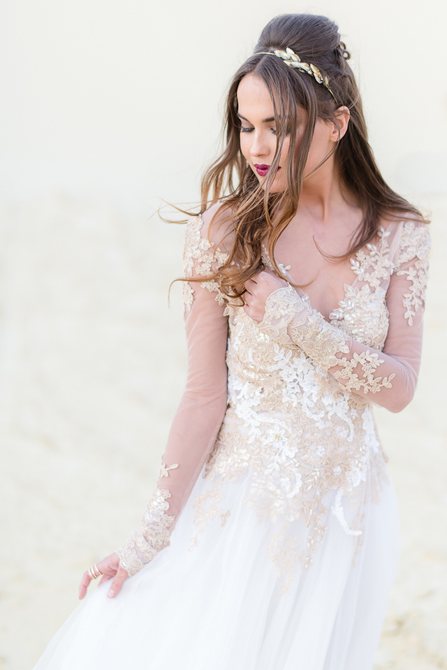 Glass bead embellished wedding dress | Lightburst Photography | see more on: http://burnettsboards.com/2016/01/earthy-sophisticated-desert-wedding/
