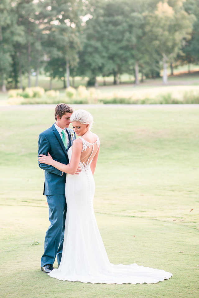 Golf themed wedding | Audrey Rose Photography | see more on: http://burnettsboards.com/2016/01/masters-golf-tournament-inspired-wedding/