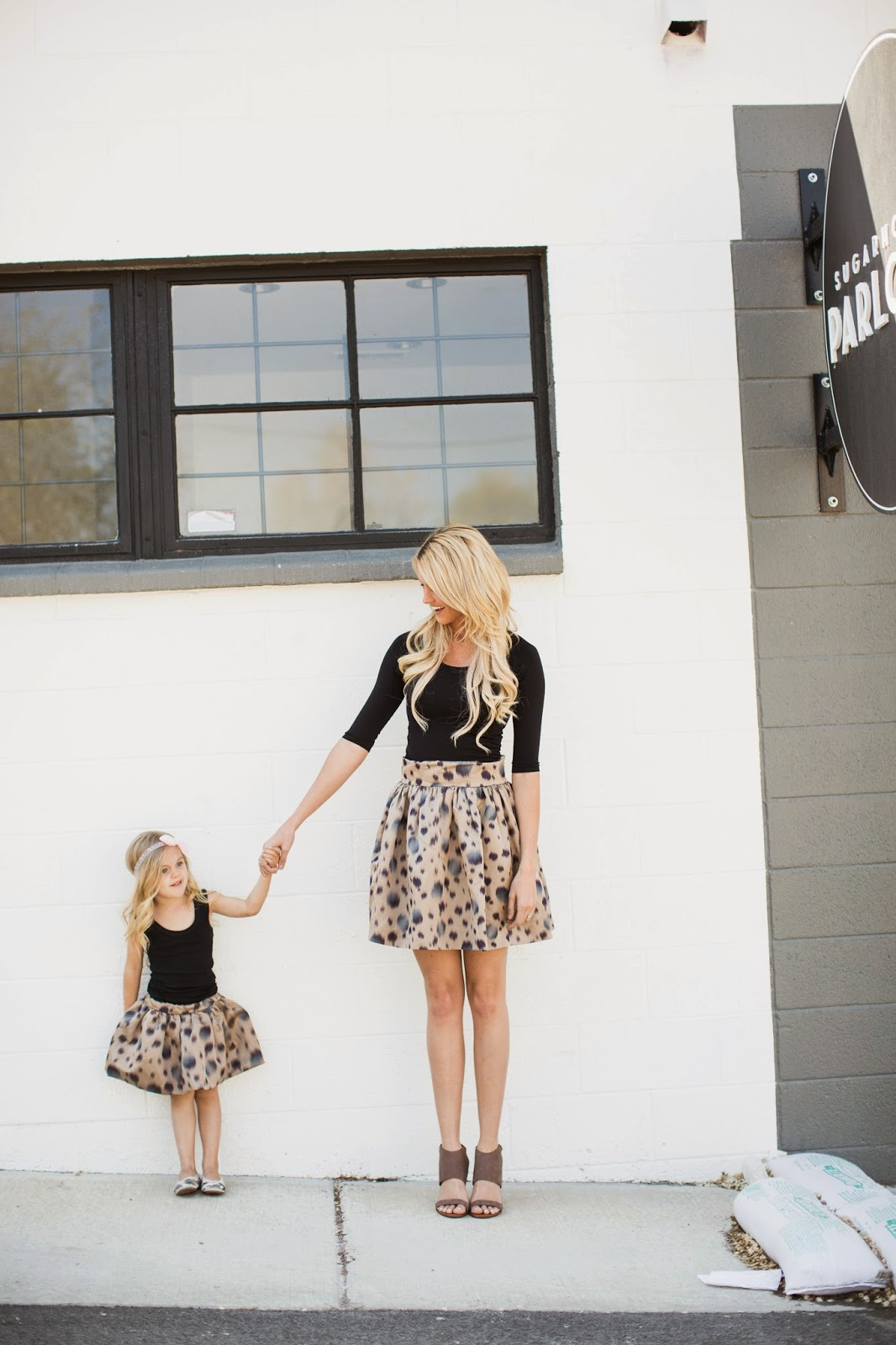 matched outfits for mother and daughter (1)