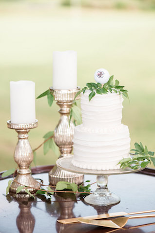 Golf ball wedding cake topper | Audrey Rose Photography | see more on: http://burnettsboards.com/2016/01/masters-golf-tournament-inspired-wedding/