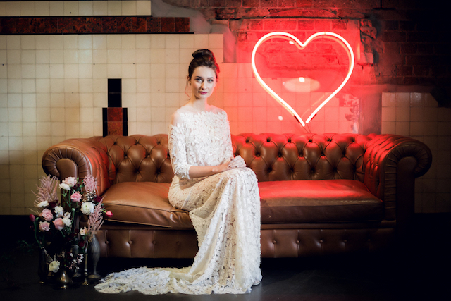 Neon heart | Kelsea K Photography | see more on: http://burnettsboards.com/2016/02/industrial-romance/