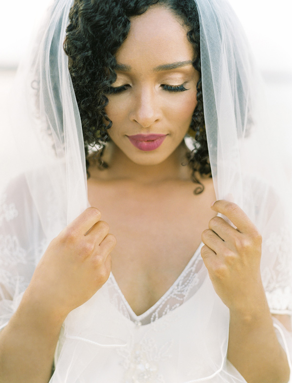 bridal veil - photo by Ben Q Photography http://ruffledblog.com/easy-romantic-wedding-inspiration