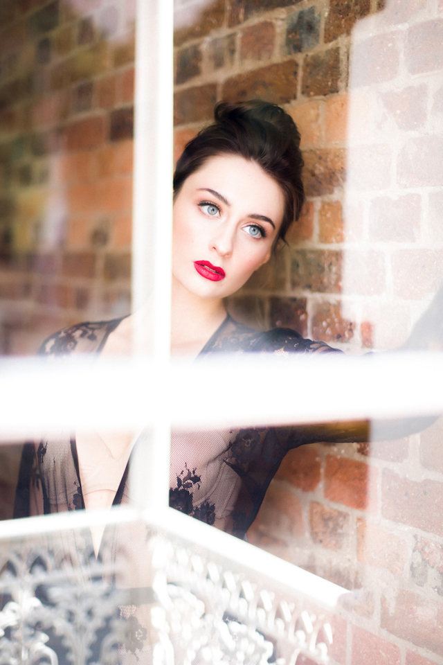 Red lipstick | Kelsea K Photography | see more on: http://burnettsboards.com/2016/02/industrial-romance/