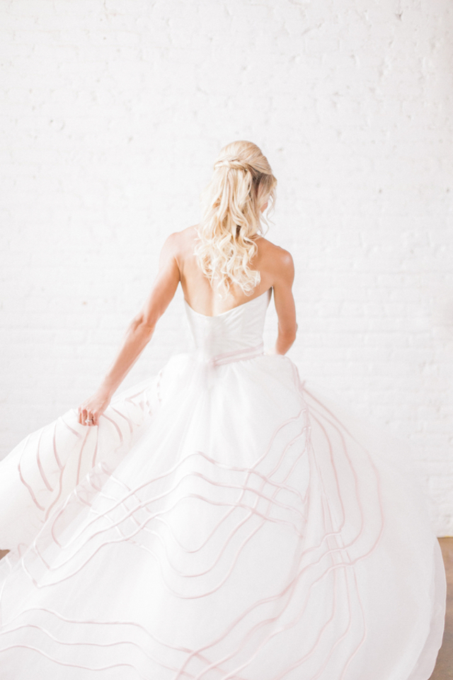 Austin Scarlett wedding dress | Sara Lynn Photographic | see more on: http://burnettsboards.com/2016/02/pink-gold-geometric-wedding/