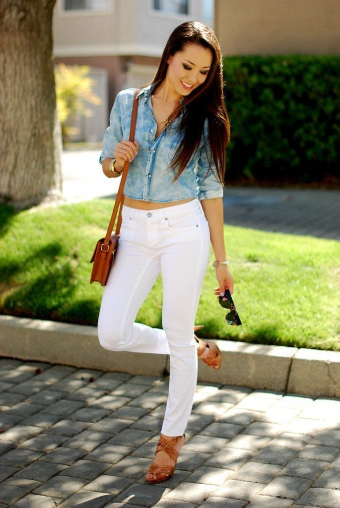 Fashionable ways to wear white jeans (13)
