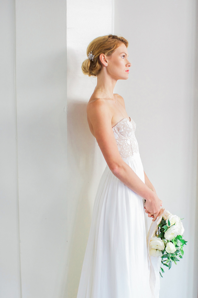 Strapless wedding dress | Mandy Forlenza Sticos and Maria Cascio Photography | see more on: http://burnettsboards.com/2016/02/airy-paper-factory-hotel-bridals/