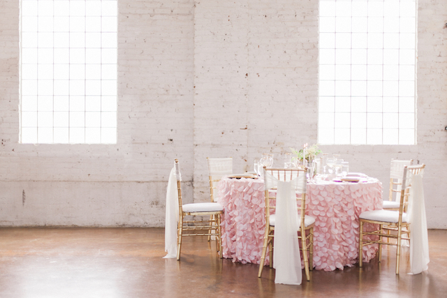 Pink petal linen for a wedding reception | Sara Lynn Photographic | see more on: http://burnettsboards.com/2016/02/pink-gold-geometric-wedding/