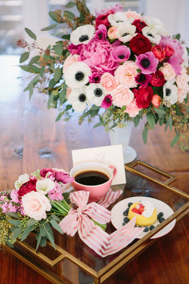 Anniversary surprise: Flowers and a homemade breakfast | Kerinsa Marie Photography & Violet Floral Design | see more on: http://burnettsboards.com/2014/04/sweetest-anniversary-surprise/