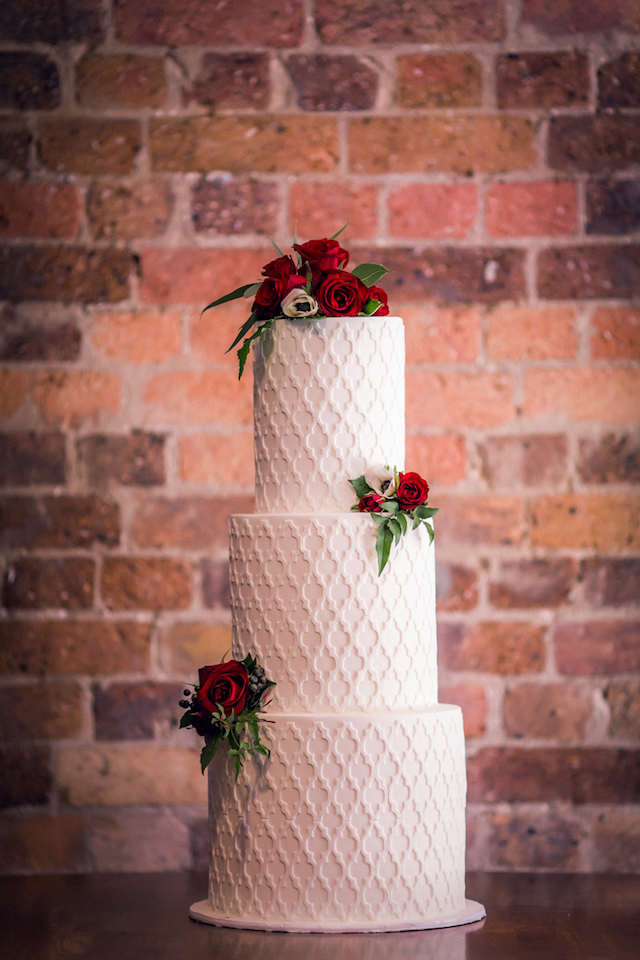 Intricate white wedding cake | Kelsea K Photography | see more on: http://burnettsboards.com/2016/02/industrial-romance/