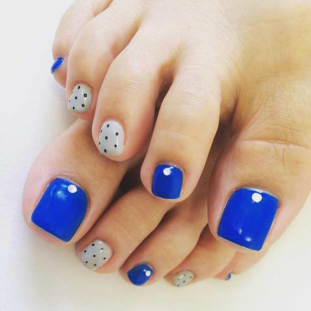 Polka Dot Pedicure Design