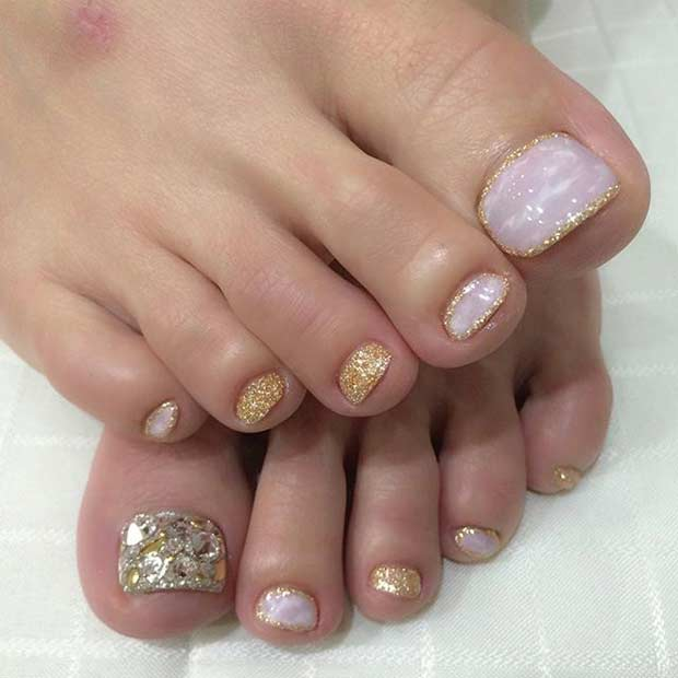 Sparkly Golden Pedicure Design
