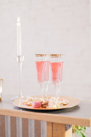 Gold rimmed champagne glasses | Sara Lynn Photographic | see more on: http://burnettsboards.com/2016/02/pink-gold-geometric-wedding/
