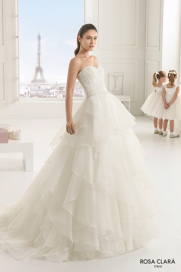 rosa clara two spring 2016 strapless sweetheart neckline beaded bodice romantic princess tiered a line ball gown wedding dress sweep train (estanque) mv