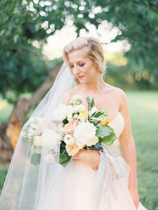 Romantic bridal portrait with bouquet | Courtney Leigh Photography | see more on: http://burnettsboards.com/2016/02/romantic-outdoor-southern-mansion-wedding/