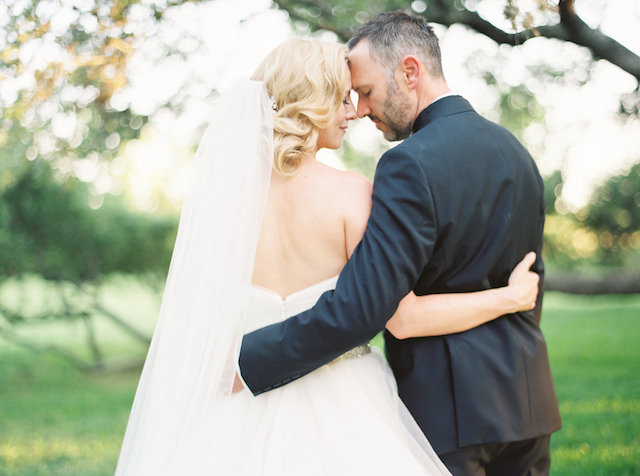 Romantic outdoor wedding inspiration shoot | Courtney Leigh Photography | see more on: http://burnettsboards.com/2016/02/romantic-outdoor-southern-mansion-wedding/