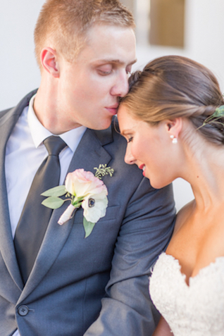 Virginia wedding | Jessica Green Photography | see more on: http://burnettsboards.com/2016/02/sweetly-sentimental-red-wedding/