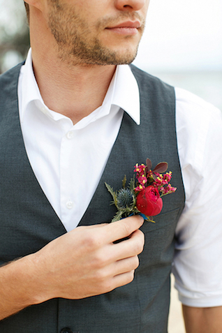 Red boutonniere | Sergey Bulychev and Sergey Ulanov | see more on: http://burnettsboards.com/2016/02/free-wind-beach-wedding-editorial/