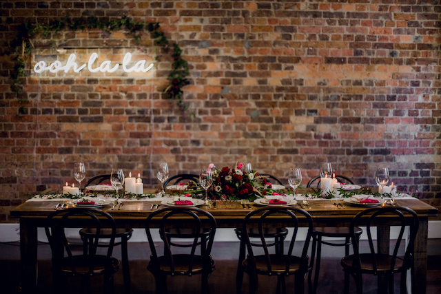 Neon sign wedding reception backdrop | Kelsea K Photography | see more on: http://burnettsboards.com/2016/02/industrial-romance/