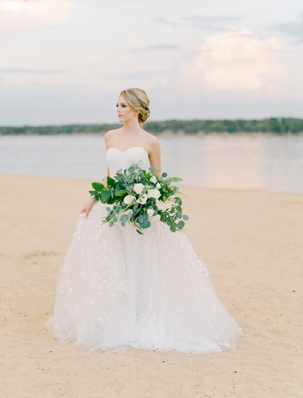 sweetheart neckline wedding dress - photo by Ben Q Photography http://ruffledblog.com/easy-romantic-wedding-inspiration