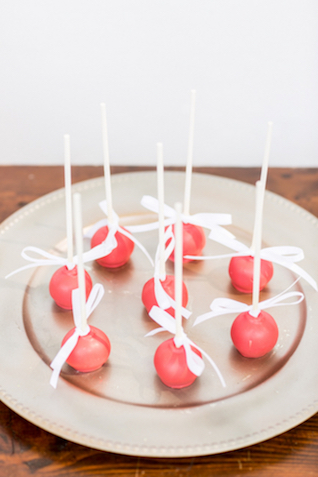 Red velvet cake pops | Jessica Green Photography | see more on: http://burnettsboards.com/2016/02/sweetly-sentimental-red-wedding/