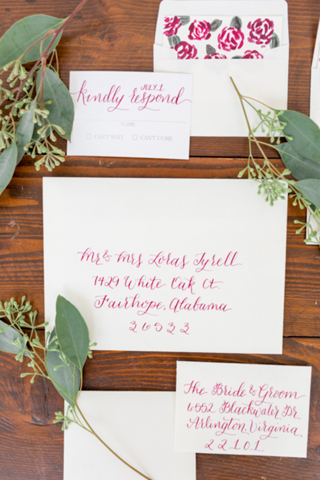 Red calligraphy wedding invitations | Jessica Green Photography | see more on: http://burnettsboards.com/2016/02/sweetly-sentimental-red-wedding/