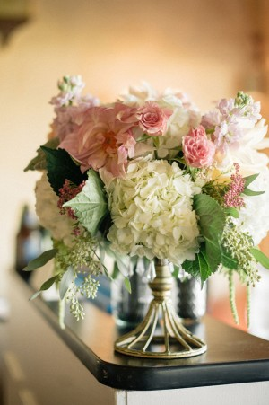 Wedding flower centerpiece - Melvin Gilbert Photography