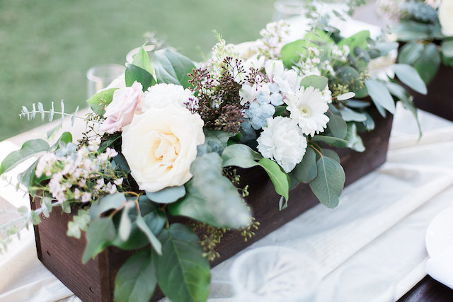Planter box floral centerpieces | Stephanie Ponce Photography