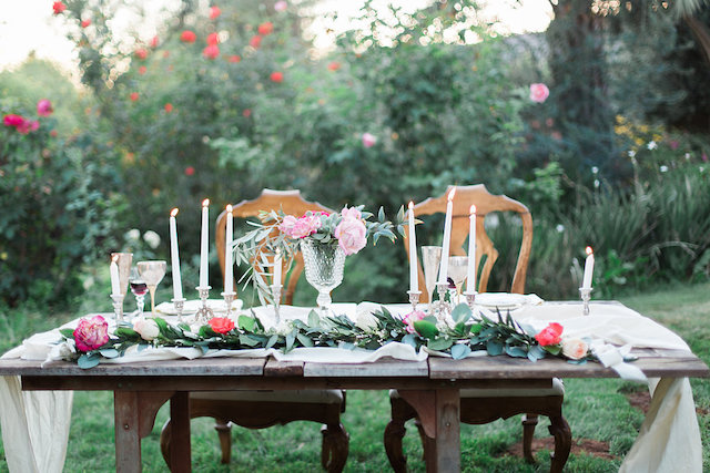 Garden sweetheart table | Stephanie Ponce Photography