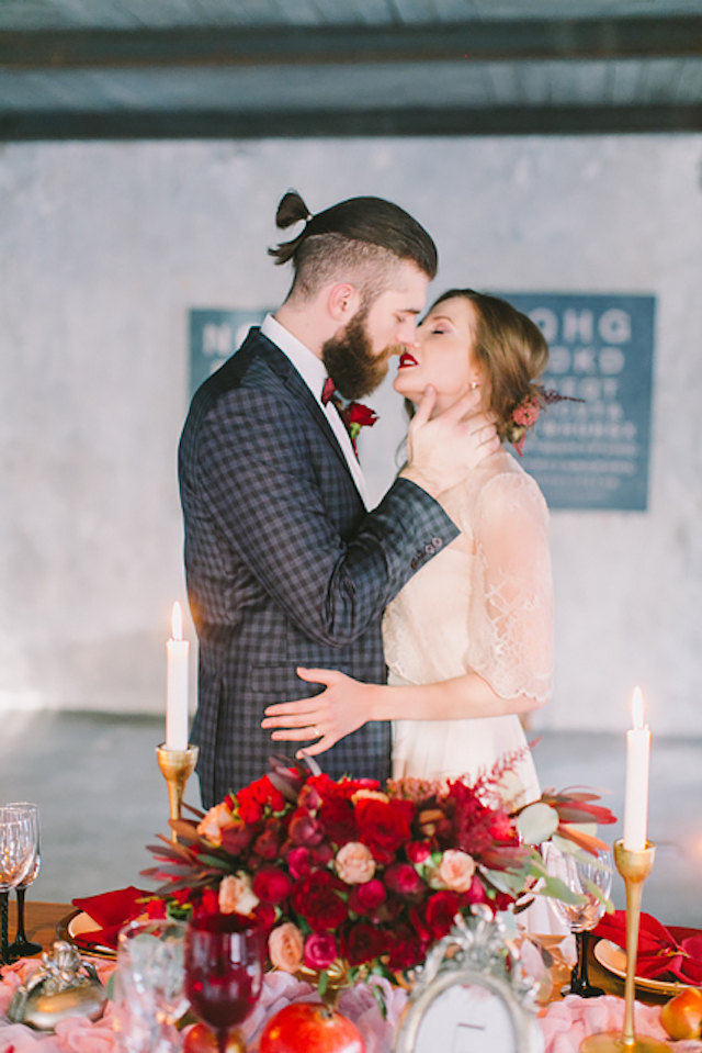 Romantic red industrial wedding inspiration | Natalia Donskih Photography