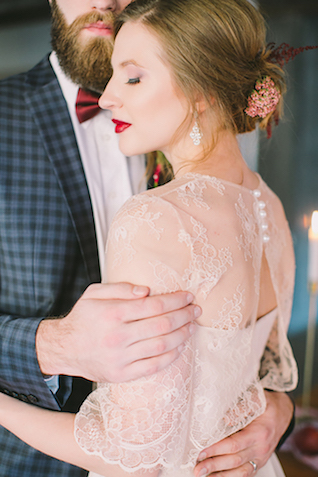 Romantic lace shawl for a wedding dress | Natalia Donskih Photography