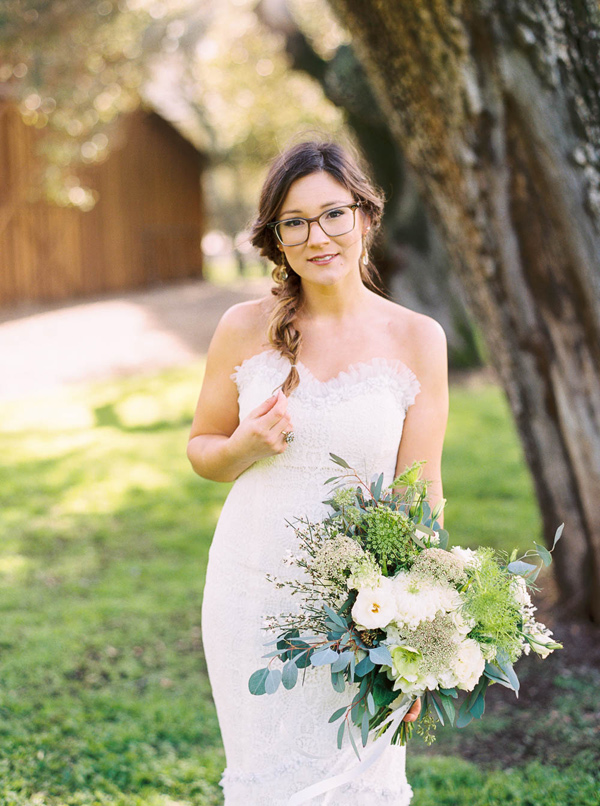cute bride with glasses - photo by Danielle Poff http://ruffledblog.com/arroyo-grande-barn-wedding